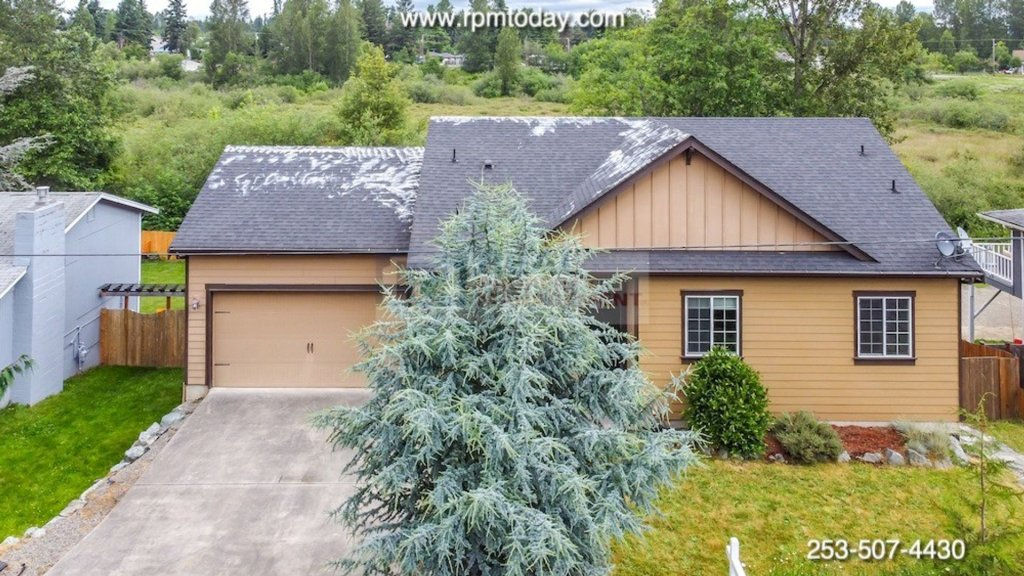 property_image - Duplex for rent in Kent, WA